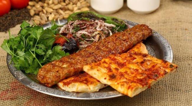Adana Kebap Nasıl Yapılır?