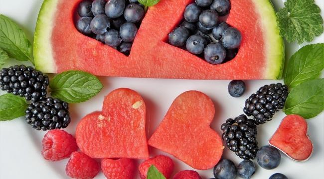 Meyve Çekirdekleri Zehirli Olabilir, Dikkat!